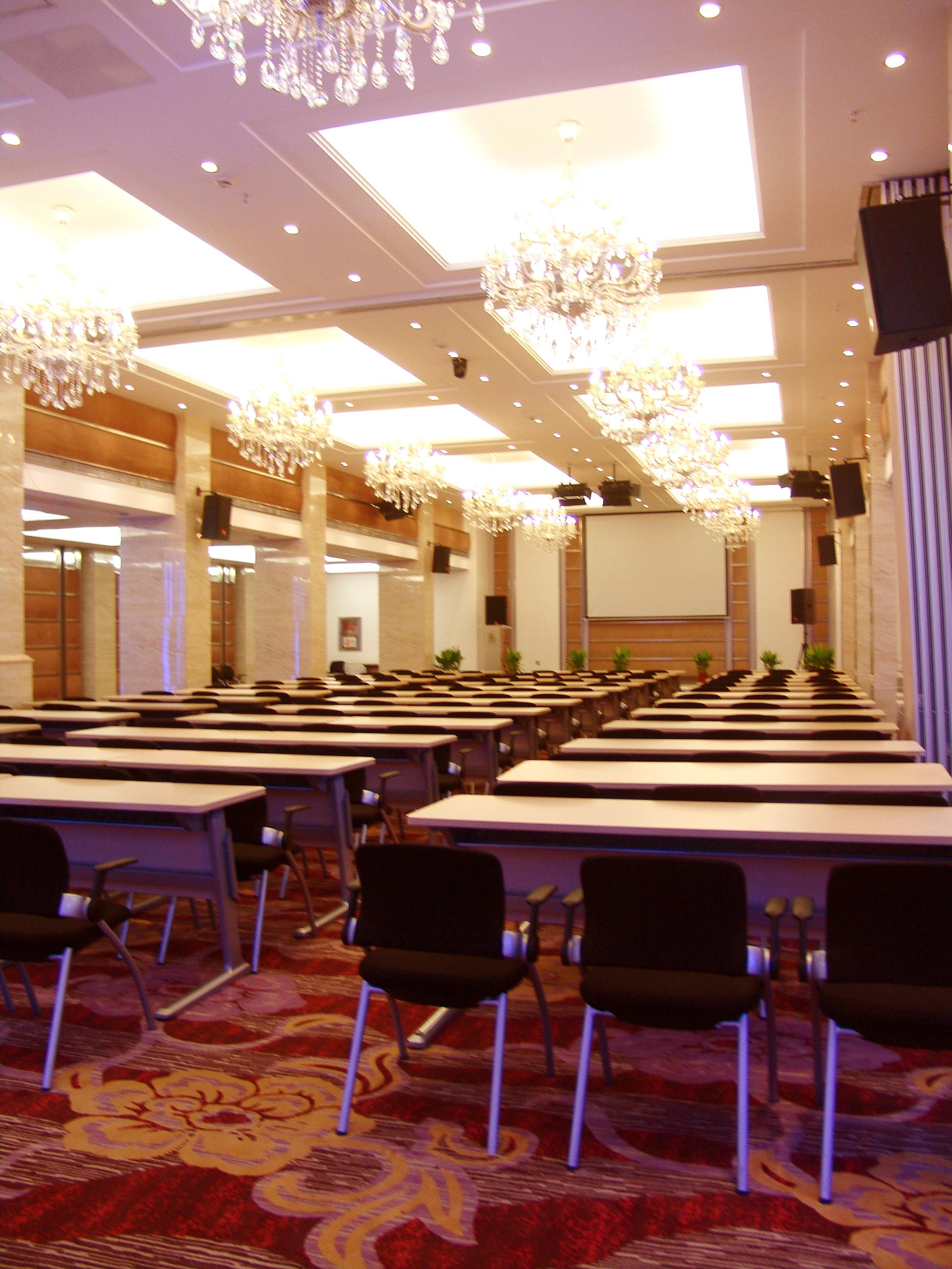 扬子江大厦会议室2